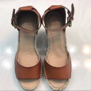 Old navy wedge size 9. NWOT